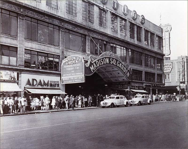 Madison Square Garden III (1925-1968) Vintage Photograph (20 X 16)