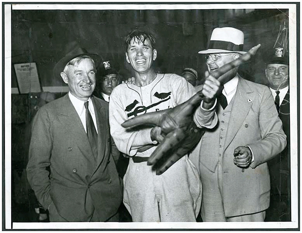 Will Rogers and Dizzy Dean Original Wire Photograph
