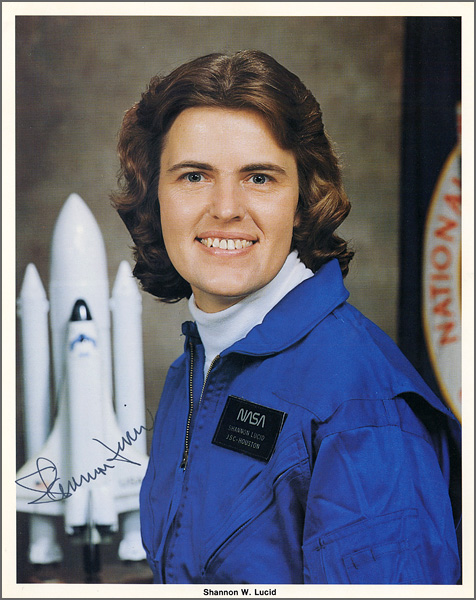 Astronaut Shannon W. Lucid Signed Official NASA Photograph