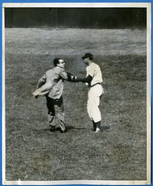 Joe DiMaggio Original Wire Photograph