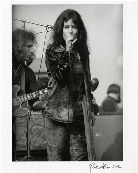 Grace Slick Photograph Signed by Rolling Stone Magazine Photographer Robert Altman
